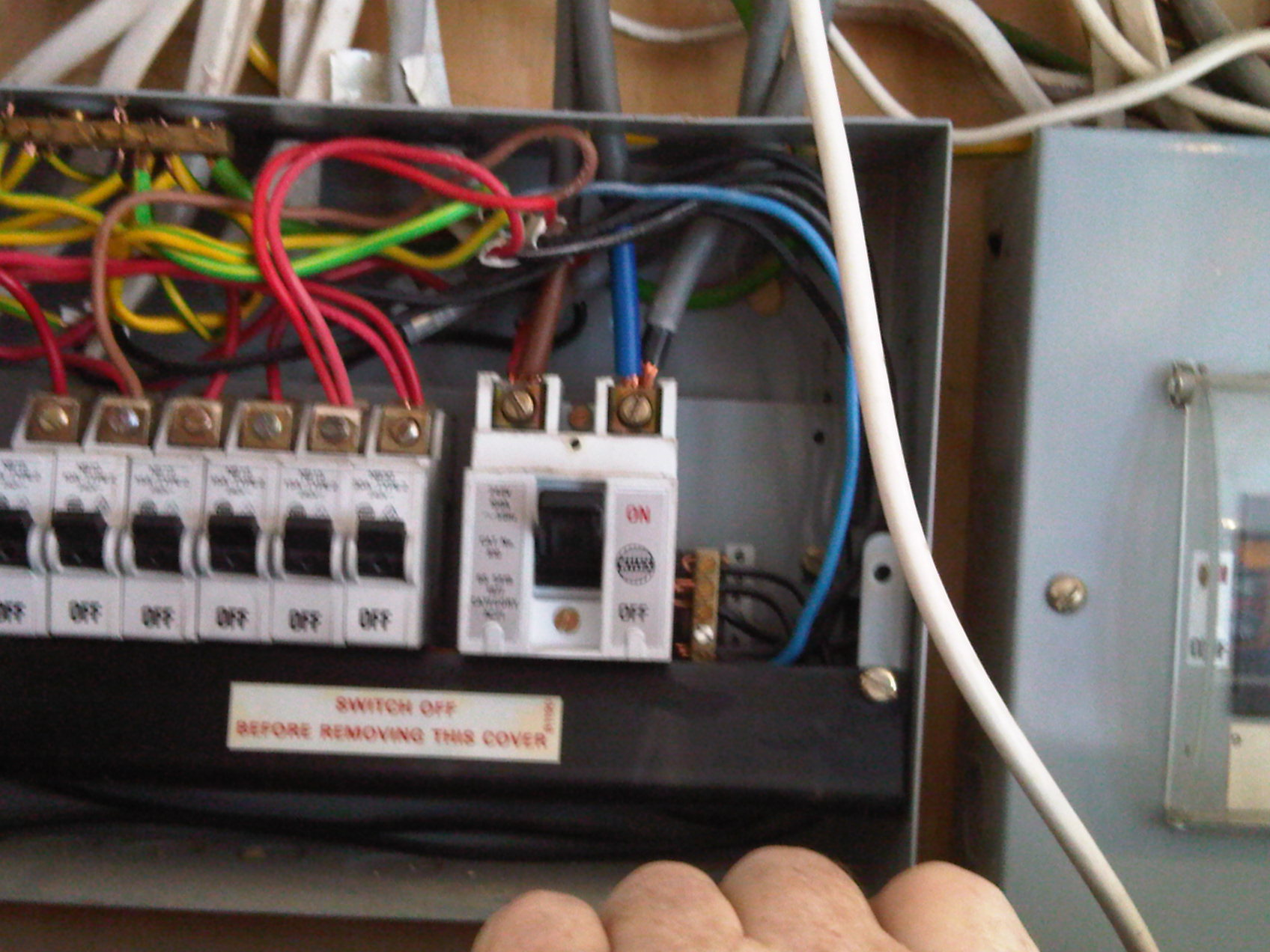 mk repair centre photo gallery the above are actions that we electricians are never allowed to take but sad proof that some of them obviously do the proteus fusebox wiring is bad as